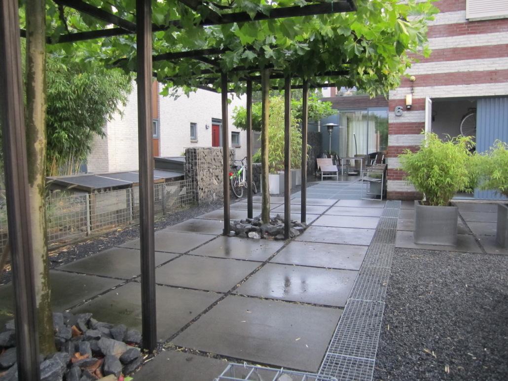 Moderne Tuin Met Strakke Lijnen Roestgroenprojecten Nl